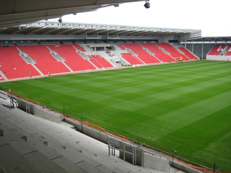 8.26 Rowecord: The New Parc-y-Scarlets. Tekla